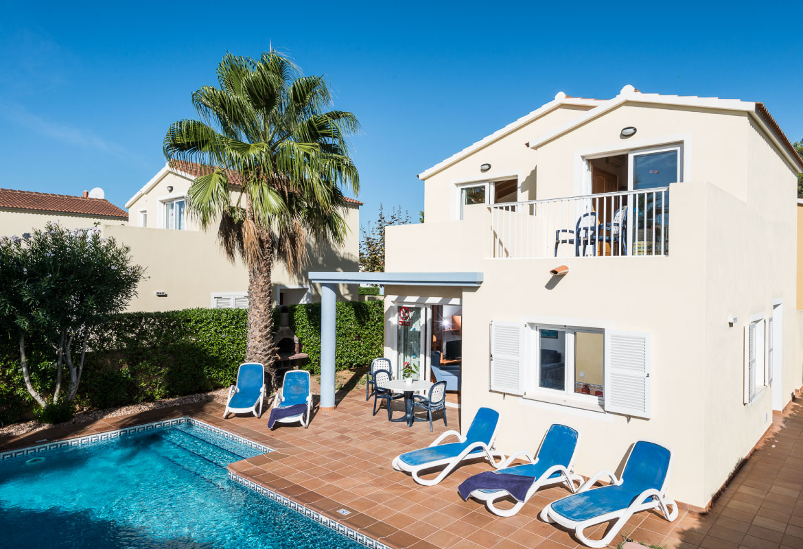 Corona holidays villas amarillas son carrio menorca for Villas corona